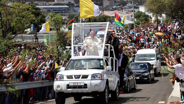 教皇来了 毛里求斯火了 这台皮卡也跟着火了