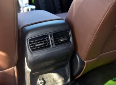 上汽大通MAXUS T60车厢座椅